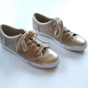 G by GUESS • ggoona woven gold cap toe sneakers